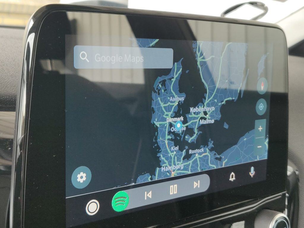 Smart navigations bar for Android Auto 2019