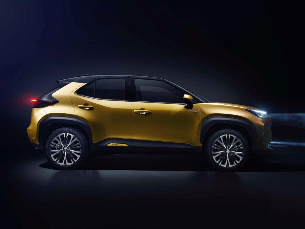 Toyota Yaris Cross side 2021