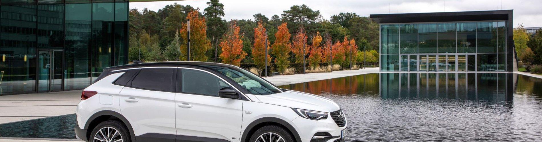 Opel Grandland X Hybrid 2020 front